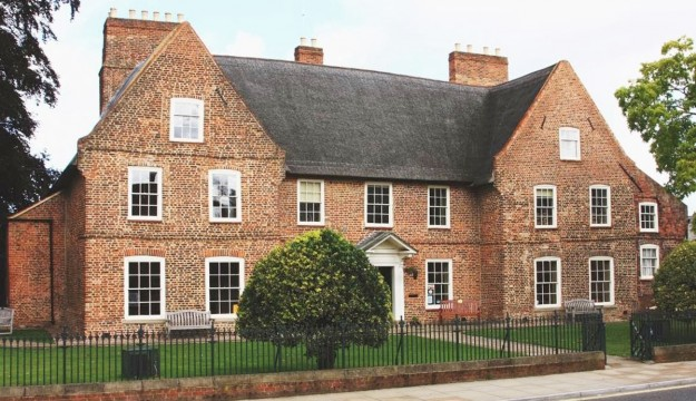 Take your group to Alford Manor House