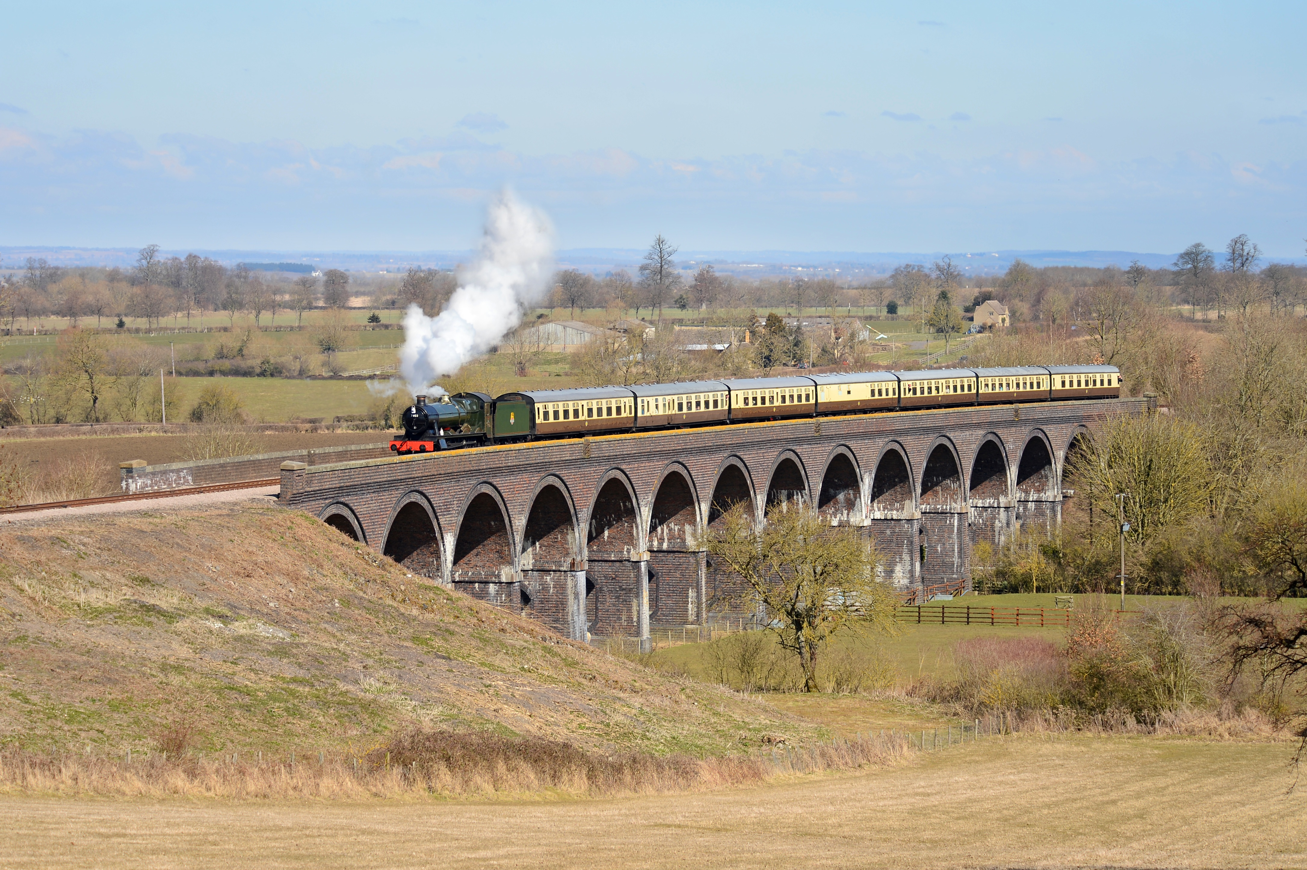 Train Tours In Uk