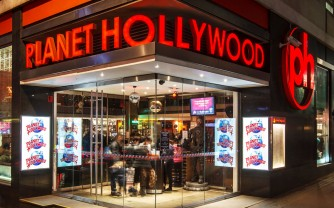 Planet Hollywood-Front-at-night