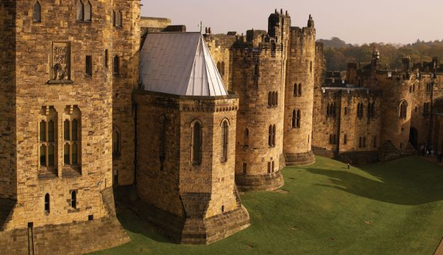 Alnwick Castle features in ITV's Downton Abbey
