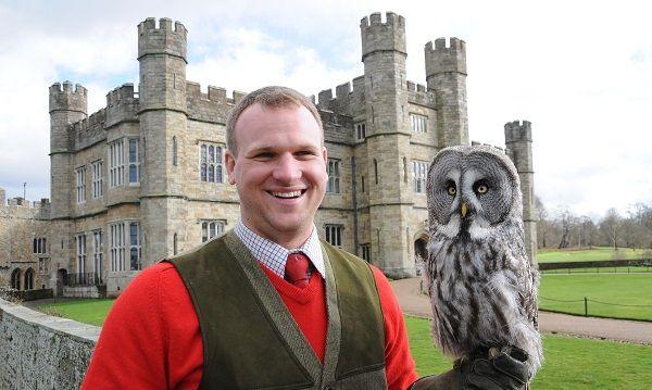 Vote for Leeds Castle Falconer Mark – Kent's Tourism Superstar!