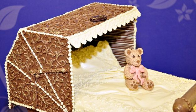 Cadbury World welcomes royal baby with exclusive chocolate creation
