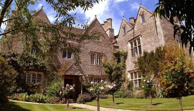 'Heaven on earth': Kelmscott Manor, the Cotswold Retreat of William Morris