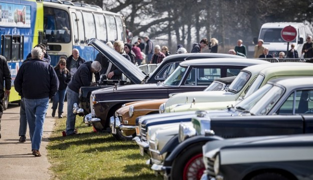 HERITAGE TRANSPORT SHOW AIMS FOR A RECORD 800 VEHICLES