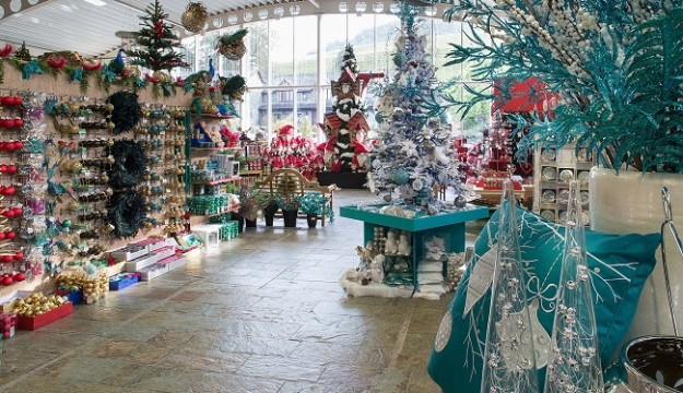 Deck the Halls This Christmas with Leighton Hall and Hayes Garden World