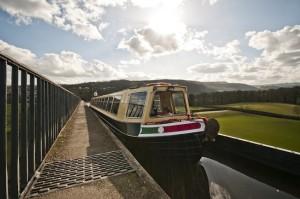 Horse Drawn Boats TT Aqueduct low down tow path 2