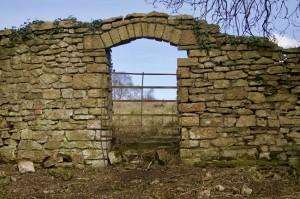 Tyntesfield boundary wall archway before restoration © National Trust / Tony Laverton